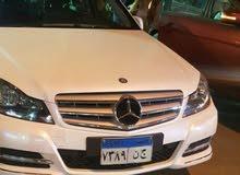 مرسيدس C300 بالسائق للسفر والسياحة