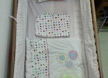 سرير اطفال فرش كامل ومرتبة مع كرسي اكل