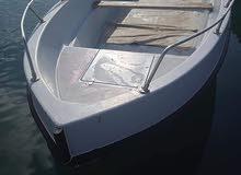 قارب فايبر6متر معاه محرك40 أمريكي سعر39ألف دينار رقم الهاتف