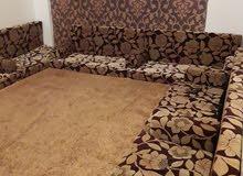 صالون غرفة معيشة يتكون من تسعه مقعد جديدة