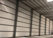 لايجار مخزن وارض 8000 متر و5000 متر في الصليبيه يصلح جميع الأنشطة التخزينية