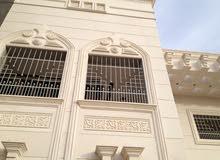 حجر الرياض الابيض مع بعض النحت والزخارف