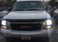 White GMC Yukon 2005 for sale