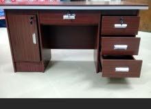 اثاث مكتبي جديد بالكرتون للبيع