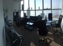 مساحات مكاتب موثثه للايجار بالعاصمه اطلالة بحرية رائعة (طوابق عالية) مفروشة