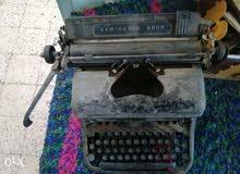 آلة كاتبة أمريكي الموديل الشهير رنجتون