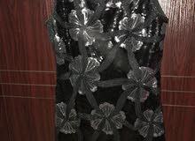 فستان بسيط للبيع يلبس 42