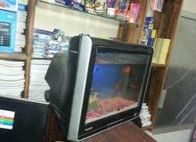 حوض سمك داخل شاشة كمبيوتر
