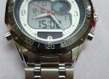 ساعة جديدة وماركة أصلية للبيع بنصف القيمة