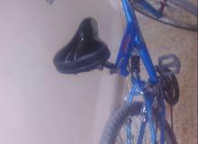 دراجه هوائية بحالة الوكالة النوع امريكي صنوبرص علئ الكرسي وعلى الشوكه وعلى الجحش