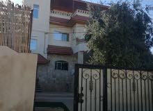 منزل مكون من 3طوابق منزل طابق اول