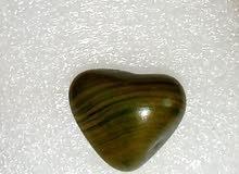 مجموعة احجار جزء مصقول يدوي وجزء خام