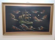 لوحة فنية قديمة ومرسومة بالألوان الزيتية وعليها توقيع الرسام