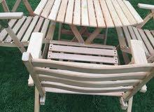 طاولات وكراسي خشب زان ضد العوامل وقابلة للطي..
