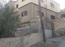 عماره ثلاث طوابق بجانب مدارس القبس حي الرشيد