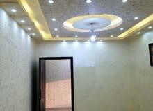 للإيجار او للبيع شقة سوبر ديلوكس فارغة في منطقة دير غبار 3 نوم مساحة 150 م² - ط اول - ( 8 )