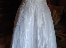 فستان زفاف للايجار او للبيع بحاله ممتازه