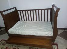 سرير خشب زان مستعمل بحاله جيده