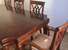 طاولة سفرة 8 كراسي ماليزي مع بوفيه