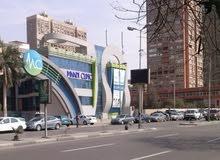 محل تجارى للايجار بموقع متميز بكورنيش النيل بالمعادى