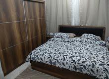 غرفة نوم كاملة بحالة ممتازة (شبه جديدة)