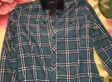 ملابس مستعملة للبيع الكمية90 قطعة