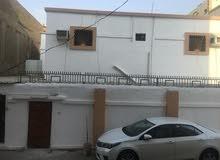 منزل طابقين في حي الجامعه