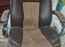 كرسي مكتب نضيف جدا مشترينا 150