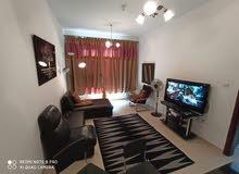 غرفه وصاله مفروشه للايجار الشهري في عجمان بأبراج السيتي تاور فرش نظيف جدا