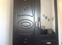 placard 2 portes, 2 tiroirs très bon état avec miroir
