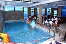 عرض للحجز شقة فندقية للايجار حجز 3 ليالي + 2 ليله مجانية مع حمام سباحة واطلالة بحرية