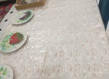 طاولة مطبخ مع 4 كراسي خشب