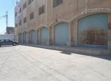 مخازن تجارية للإيجار على الشارع الرئيسي
