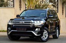 Renting Toyota cars, Land Cruiser 2018 for rent in Amman city
