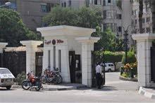 شقه للبيع بارقى مكان بالهرم خلف محافظة الجيزه في نفس شارع أحمد كامل الرئيسي