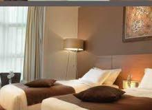 فندق يبعد عن الحرم 350 متر للبيع !