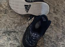 حذاء أديداس