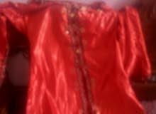 الفستان الحمر