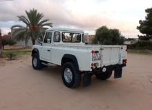 Manual White Land Rover 2002 for rent