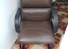 كرسي مكتبي جلد بني غامق