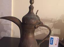 إبريق  قهوة قديم و بحالة ممتازة المعدن. نحاس. اصفر