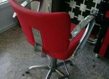 كرسي وميز مرايا وبرده لبيع قليل الاستعمال