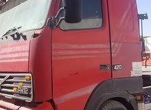 للبيع راس فولفو موديل 2000+مرسيدس راس مع الثلاجه موديل 95