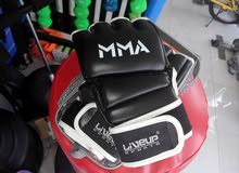 boxing glove قفاز الملاكمة
