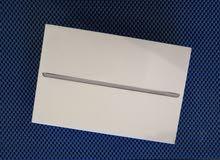 جهاز IPad mini 4 نوع Apple اللون فضي جديد للبيع.