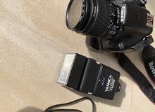 كاميرا كانون 1100 D بحالة ممتازة جدا