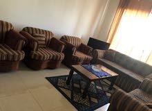 للايجار شقة مفروشة بالشارقة المجاز غرفة وصالة فرش ممتاز