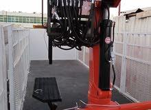للبيع ترلة طابوق طول 13.60 متر مع كرين نوع فاسي إيطالي نظيف جداا 2 بوم طول 11متر