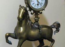 ساعة خيل برونزية قديمة