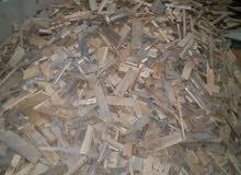 مكعبات ومربعات خشب حطب0785276409. يوجد طن ونصف